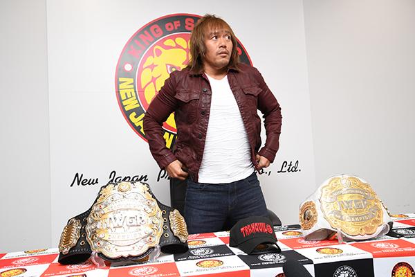 Tetsuya Naito revela que passou por cirurgia no olho direito
